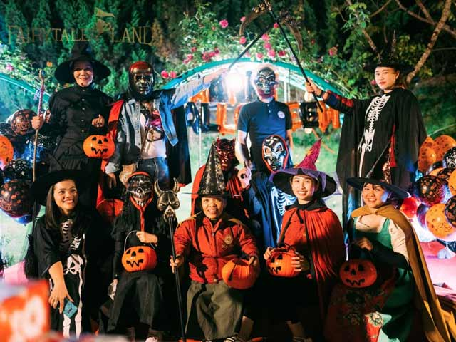 Đêm Halloween Ở Dalat Fairytale Land